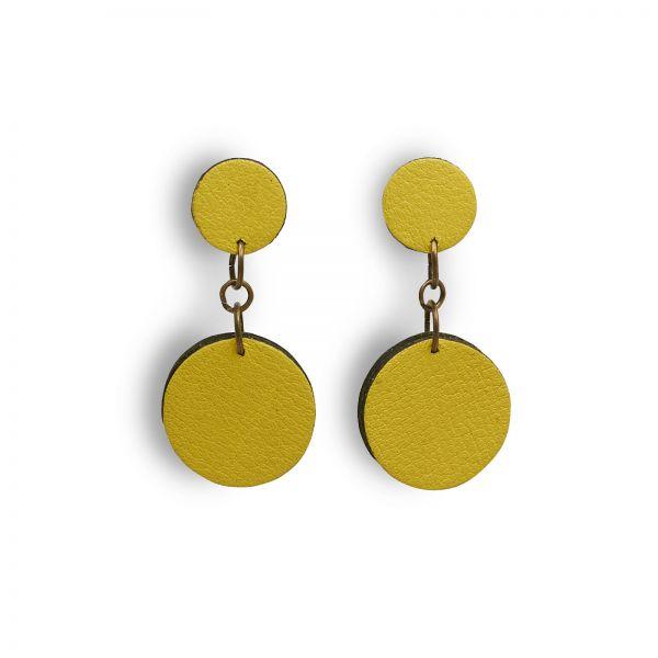 EARRING DOTS, Ohrringe aus Lederscheiben, klein, gelb matt mit schwarze Rand, mit Edelstahlstecker