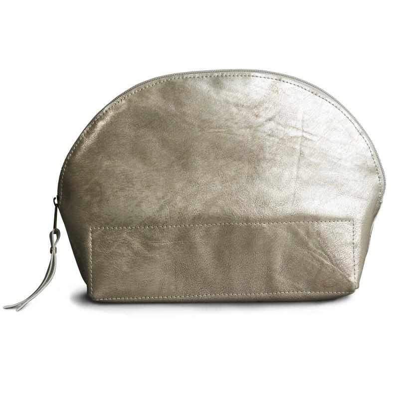 BEAUTY BAG, Kosmetikbeutel aus Leder in Silber, in praktischer halbrunden Form